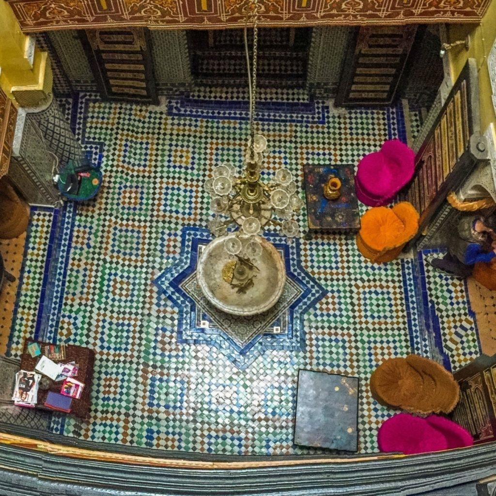 21. Wnętrze Rijadu - hostelu, Fes