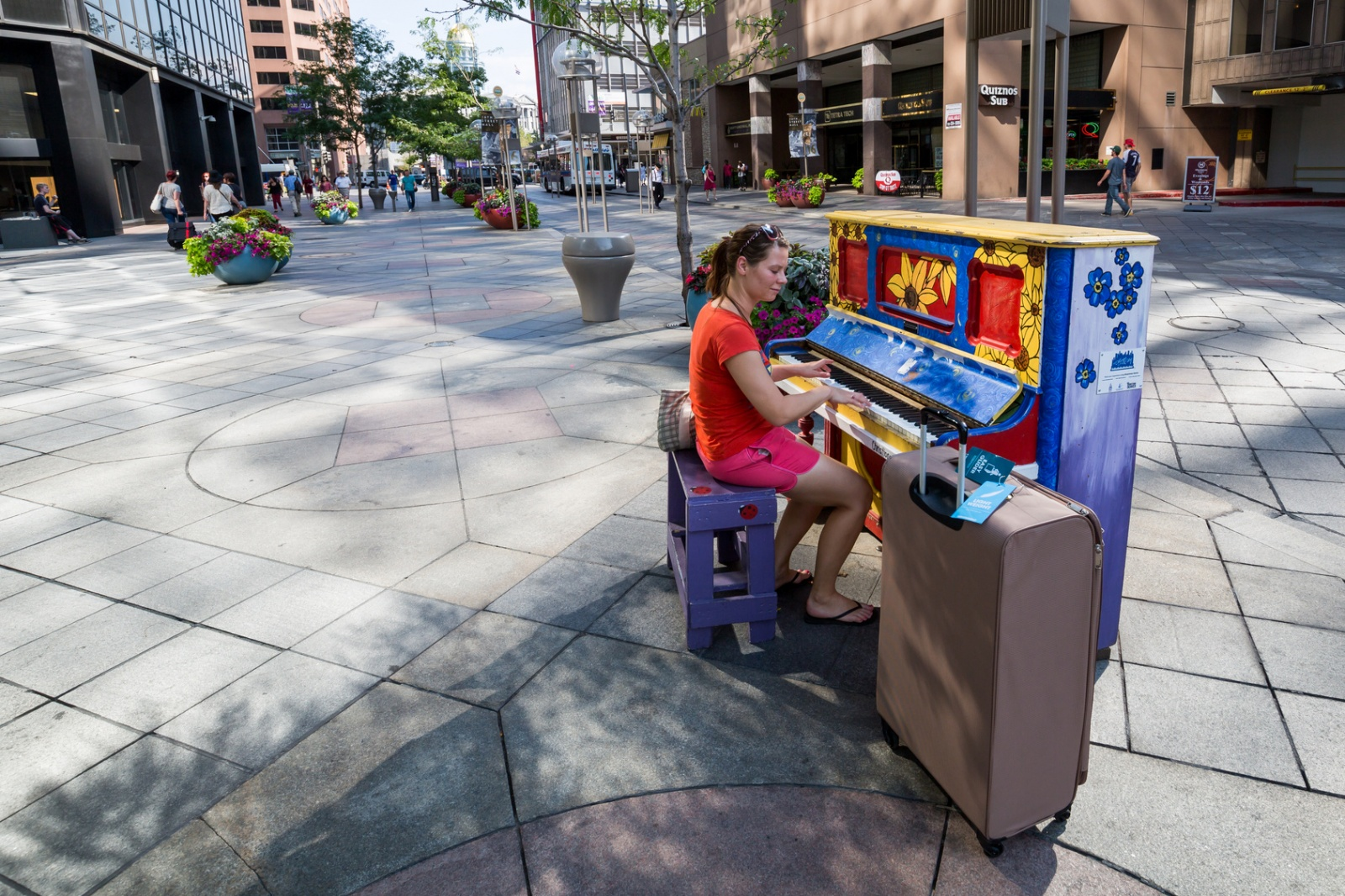 Pianina na ulicach Biuro podróży Goforworld by Kuźniar