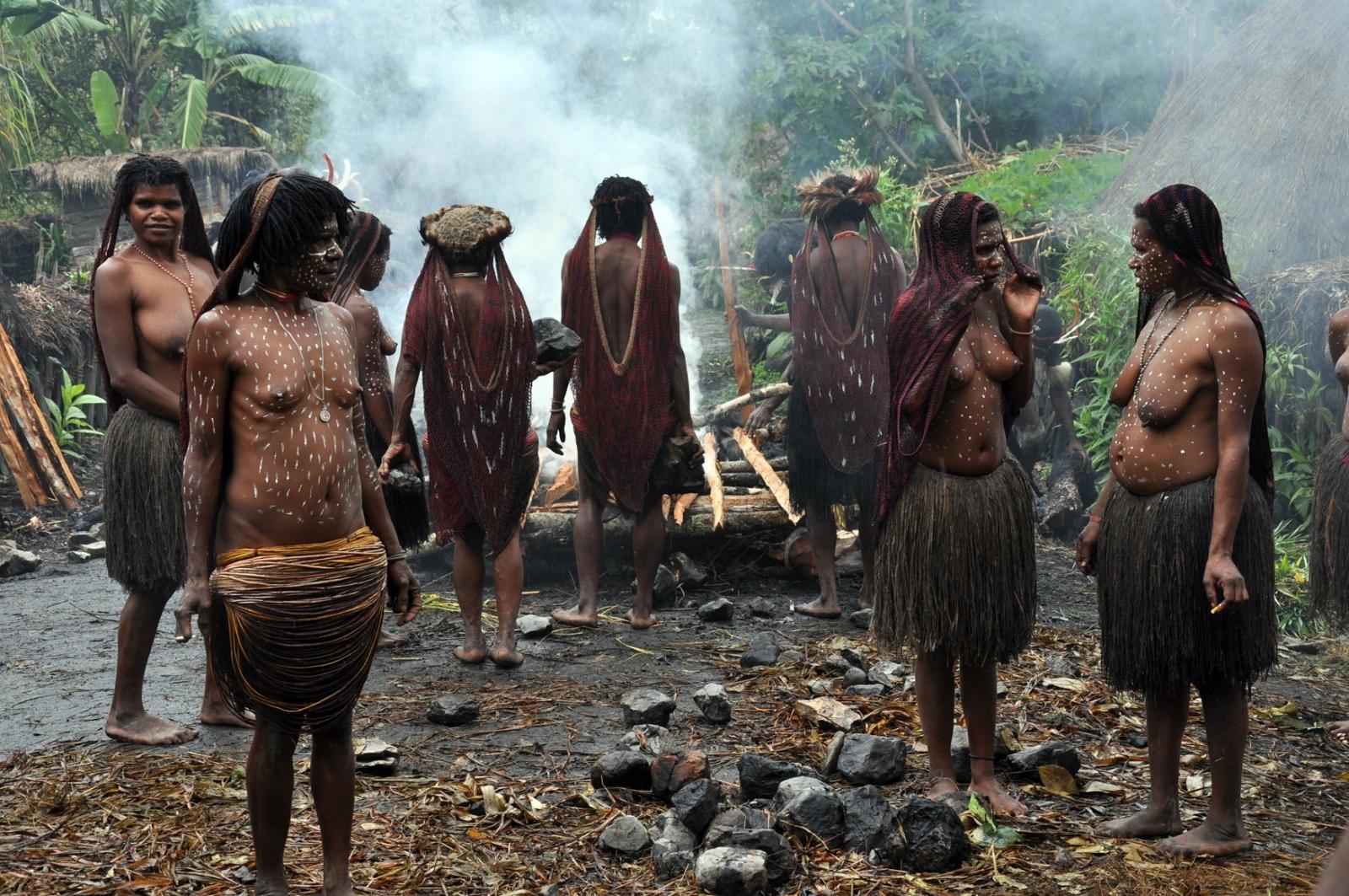 Nowa Gwinea: tradycje nadal żywe Biuro podróży Goforworld by Kuźniar