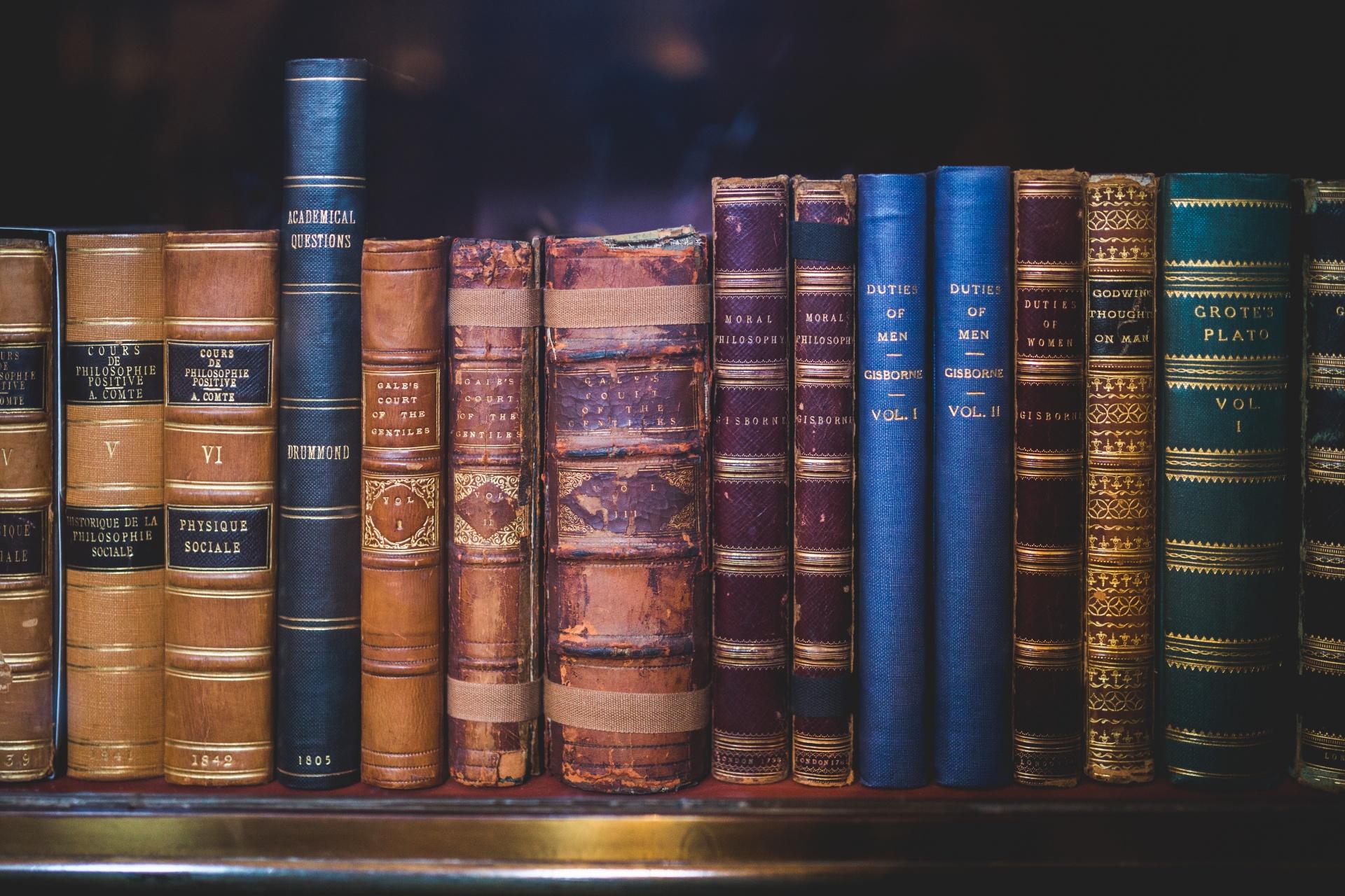 Tajemnice biblioteki Biuro podróży Goforworld by Kuźniar