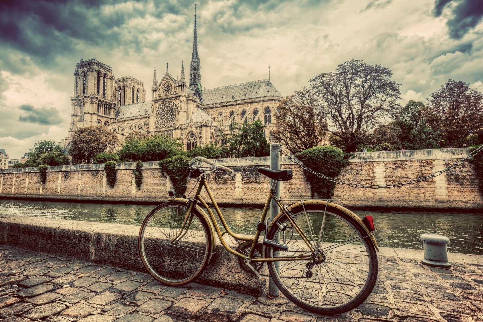 Paryż bez samochodów Biuro podróży Goforworld by Kuźniar