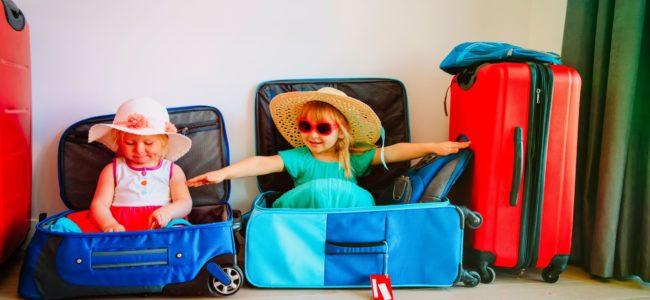 Jak nauczyć dziecko pakować bagaż? Biuro podróży Goforworld by Kuźniar